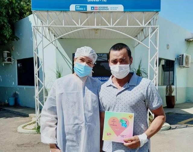 Dois pacientes receberam alta hospitalar após tratamento no Pronto Atendimento Coronavírus, em Barreiras
